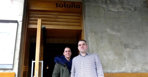 Tolono-pareja