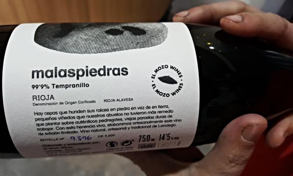 Malas-Piedras-Bottle