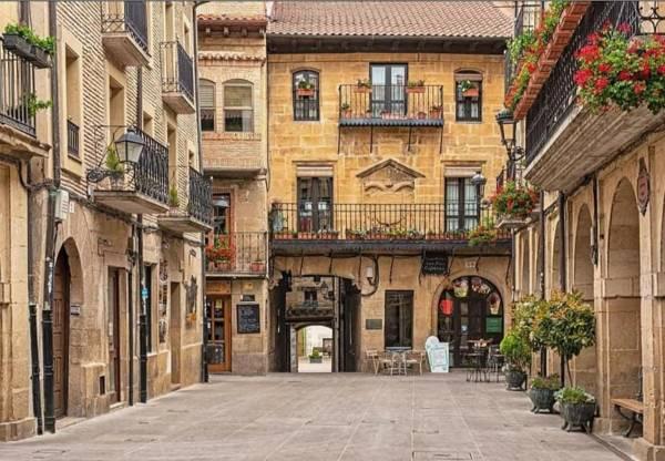 Plaza-Laguardia